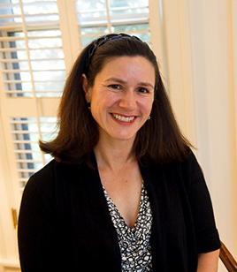 Lucinda Robb